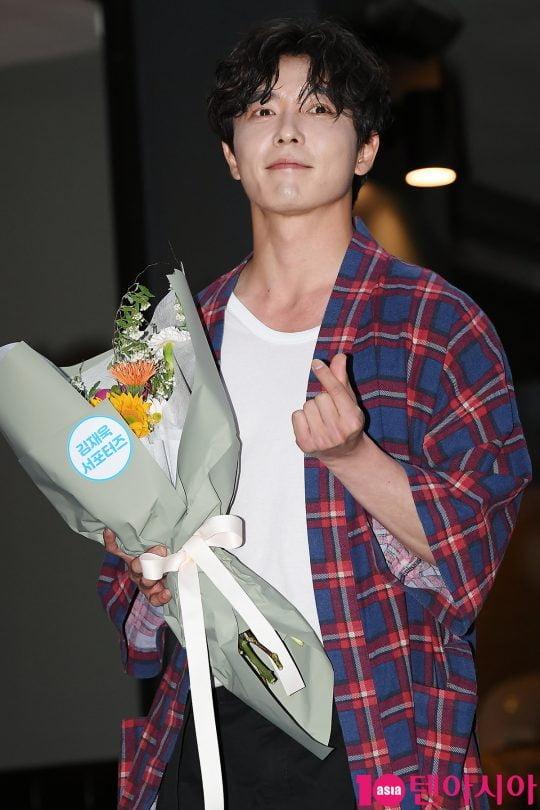 배우 김재욱