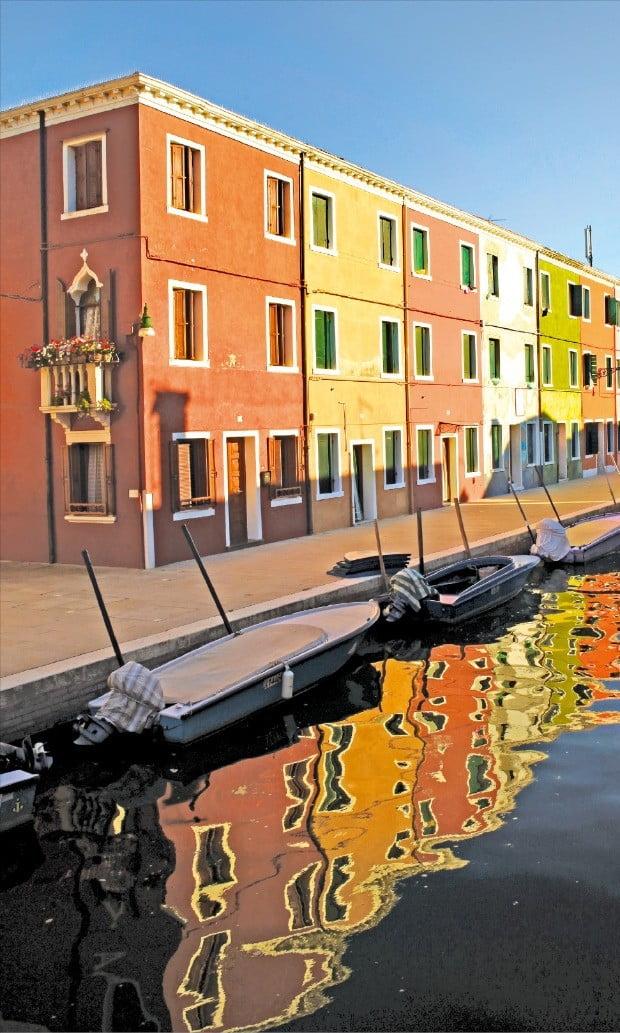 베네치아 부라노의 알록달록한 건물들