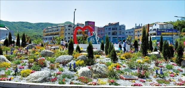 이천시가 지난 10년간 공을 들여 조성한 예스파크 이천 도자예술 마을.