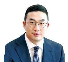 구광모式 '끝장토론' 대비…LG CEO는 열공 중