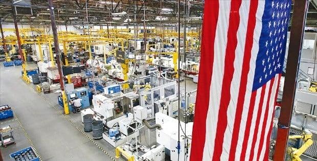 미국 제조업이 '제2의 전성기'를 맞고 있다. 감세와 규제완화 등 친기업 정책 덕분이다. 미국 캘리포니아주에 있는 한 공작기계 공장.  /미국 제조업협회  제공