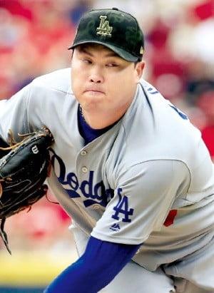 '제구력 괴물' 또 철벽投…류현진, 평균 자책점 'MLB 1위'
