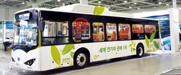 중국 전기자동차업체 비야디(BYD)의 전기버스 e버스-12. 이 버스는 지난해 6월 현대자동차와 우진산전, 에디슨모터스 등 한국 자동차업체를 제치고 대전시 전기시내버스 시범사업 차량으로 채택됐다.  /BYD 제공