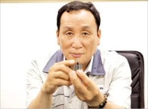 '국내 유일' 금형사출 공법으로 車부품 만드는 승정