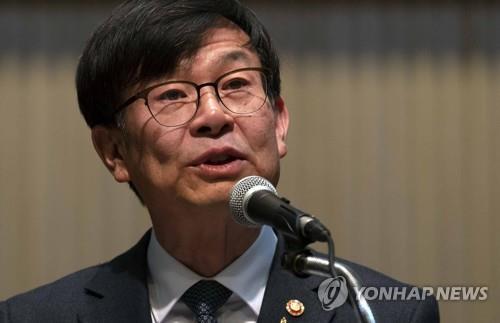 """김상조 """"정부의 재벌개혁 등 공정경제 기조에 변화 없다"""""""