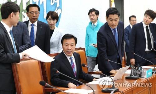 '투톱' 오신환·손학규 정면충돌…바른미래 갈등 다시 '폭발'
