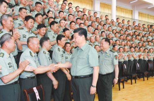 """미중 갈등 속 시진핑, 보병학교 시찰…""""전쟁과 승리에 초점"""""""