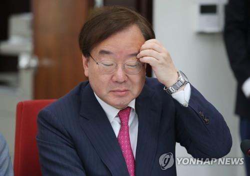 '강효상 의원·외교관 K씨' 고발 사건, 서울중앙지검이 수사