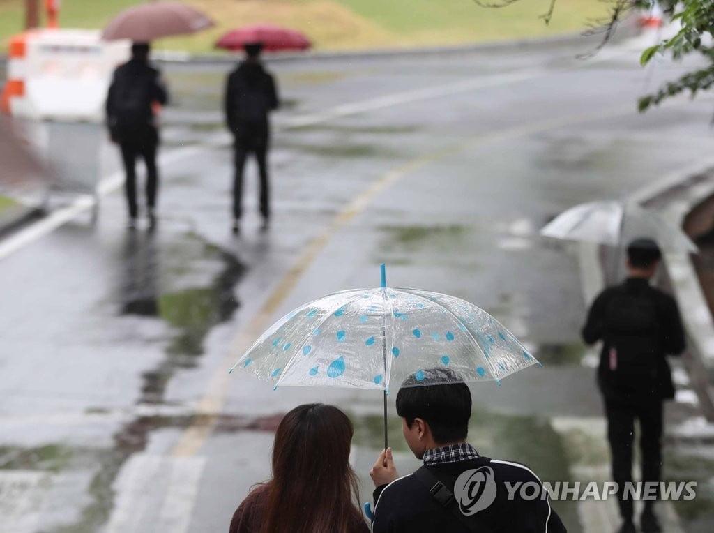 [날씨] 제주·남부지방 많은 비…더위 한풀 꺾여