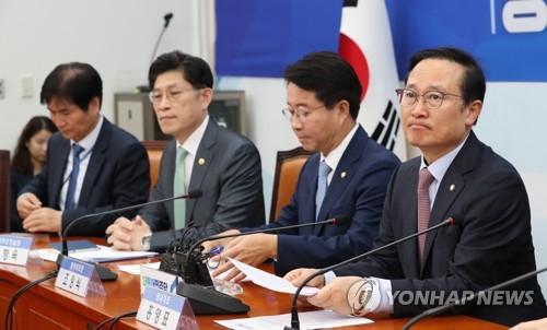 """당정청 """"청년문제 해결 총력""""…부처 아우를 '콘트롤타워' 만든다"""