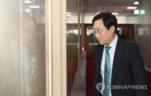 """문희상 의장, 양정철 만나 """"정책·비전으로 정당간 선의의 경쟁"""" 당부"""