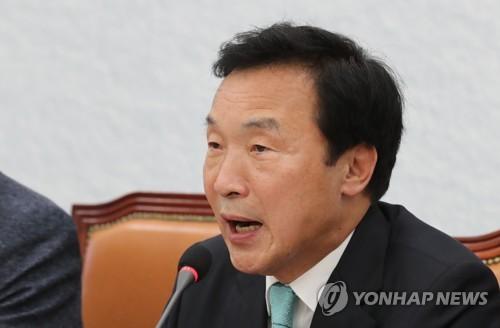"""손학규, 사퇴요구 거듭 거부…""""어려움 뚫고 나갈 것"""""""