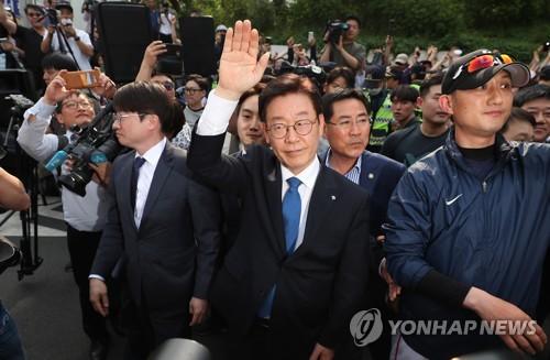 이재명 '의혹의 벙커'서 극적 탈출…롤러코스터 1년 어땠나