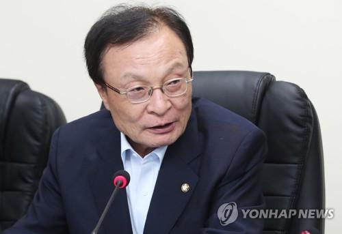 민주, '강효상 통화누설'·'군사합의 무효 발언' 대응책 논의