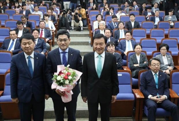 바른미래당 신임 원내대표에 오신환 의원 선출 (사진=연합뉴스)