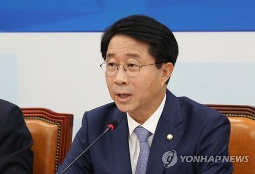 """조정식 """"한국당 '5·18 망언' 옹호 유튜버 행사 막장 행태"""""""