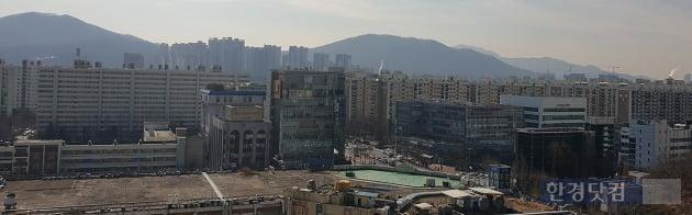 서울 대치동 미도아파트(왼쪽)와 선경아파트. 전형진 기자