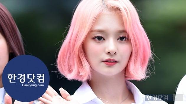 [HK영상] 프로미스나인 이나경, 핑크 헤어로 깜찍하게…'인형이 따로 없네~' (세로직캠)