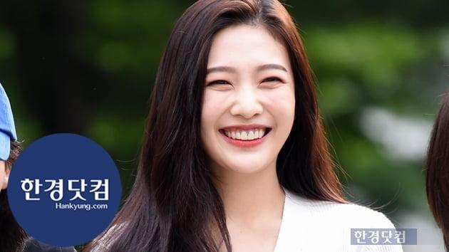 [HK영상] 레드벨벳 조이, 보고만 있어도 기분 좋아지는 미소…'사랑스러워~' (세로직캠)