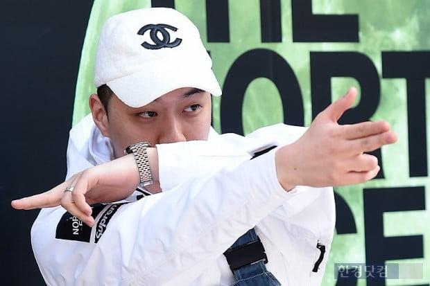 """비아이 마약 의혹 가요계 강타…'교회오빠' 비와이 """"얘들아 건강한게 멋진거야"""""""