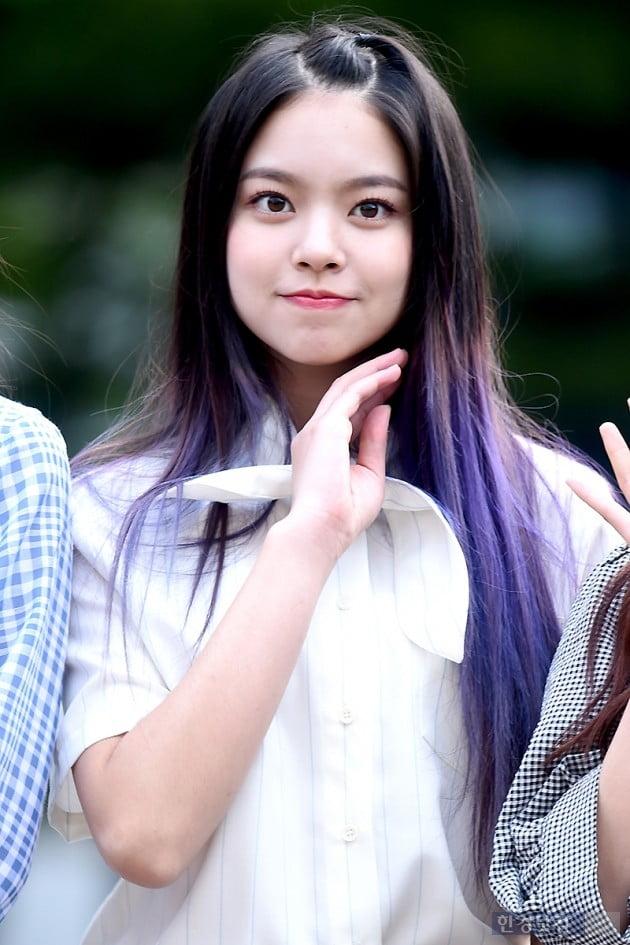 [HK영상] 체리블렛(CherryBullet), 아침을 깨우는 상큼 미소…'미소가 사랑스러워~' (뮤직뱅크 출근길)