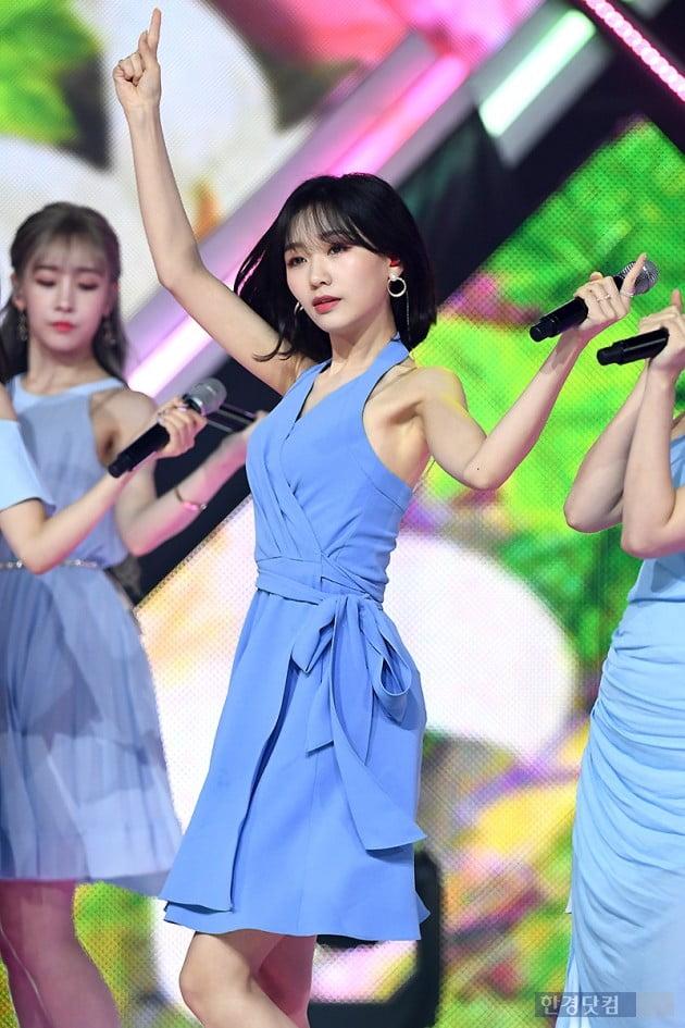 [포토] 러블리즈 류수정, '우아한 춤선~'