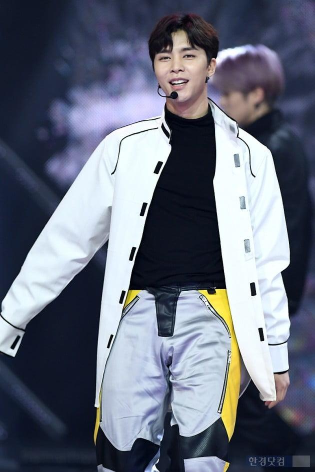 [포토] NCT 127 쟈니, '부드러운 미소~'