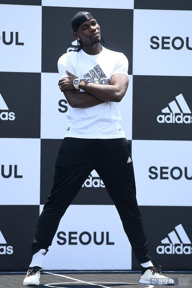 [포토] 폴 포그바, '한국 팬들 환호하게 만드는 멋진 모습'
