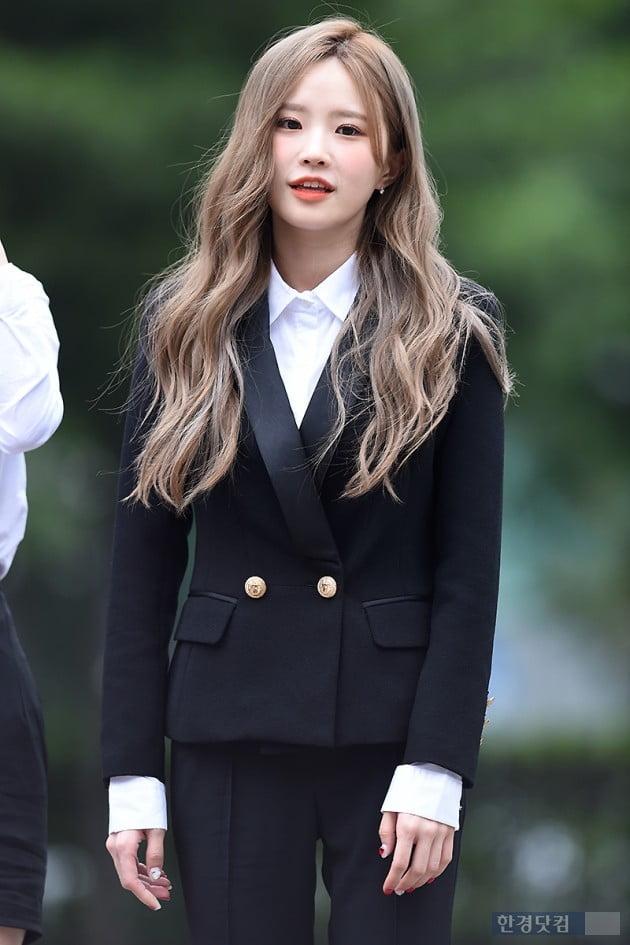 [포토] 프로미스나인 송하영, '귀여움이 가득~'