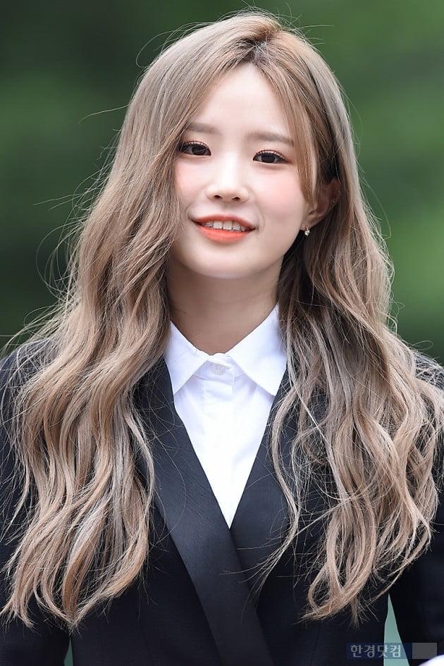 [포토] 프로미스나인 송하영, '천진난만한 아이처럼~'