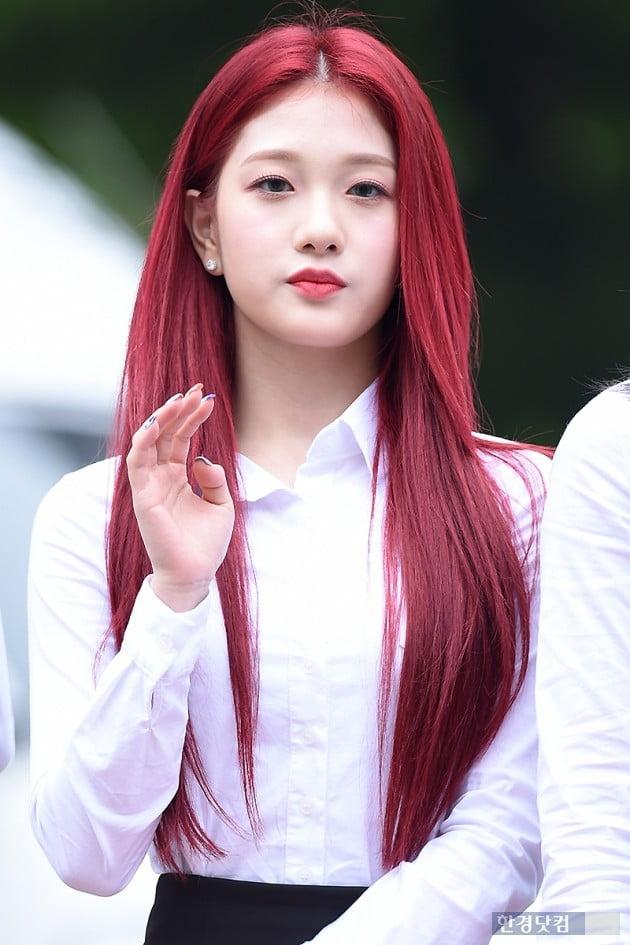 [포토] 프로미스나인 이서연, '빨간 머리가 잘 어울려~'