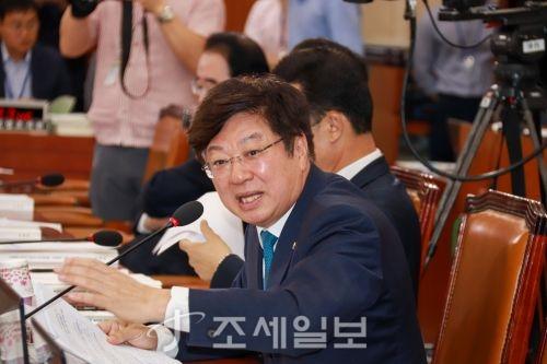 김현준 '2주택·靑파견' 논란…野, '세수 쥐어짜기' 우려