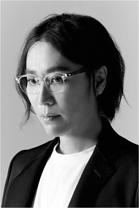 9년 만에 새 정규 연주곡 앨범 '아베크 피아노'를 발매한 가수 겸 작곡가 정재형./ 사진제공=안테나
