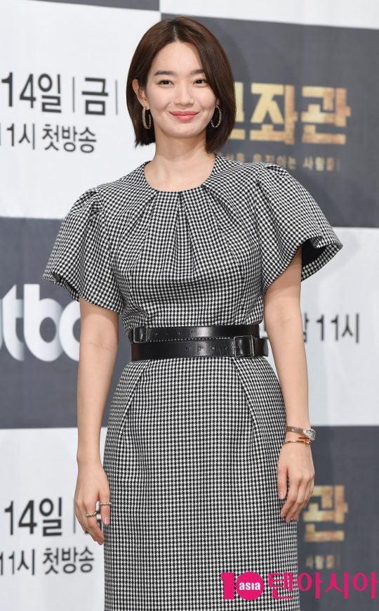 배우 신민아가 13일 오후 서울 강남구 논현동 임피리얼 팰리스 호텔에서 열린 JTBC 새 금토드라마 '보좌관' 제작발표회에 참석하고 있다.