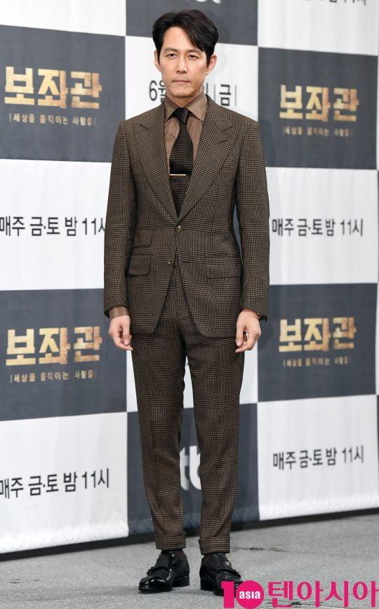 배우 이정재가 13일 오후 서울 강남구 논현동 임피리얼 팰리스 호텔에서 열린 JTBC 새 금토드라마 '보좌관' 제작발표회에 참석하고 있다.