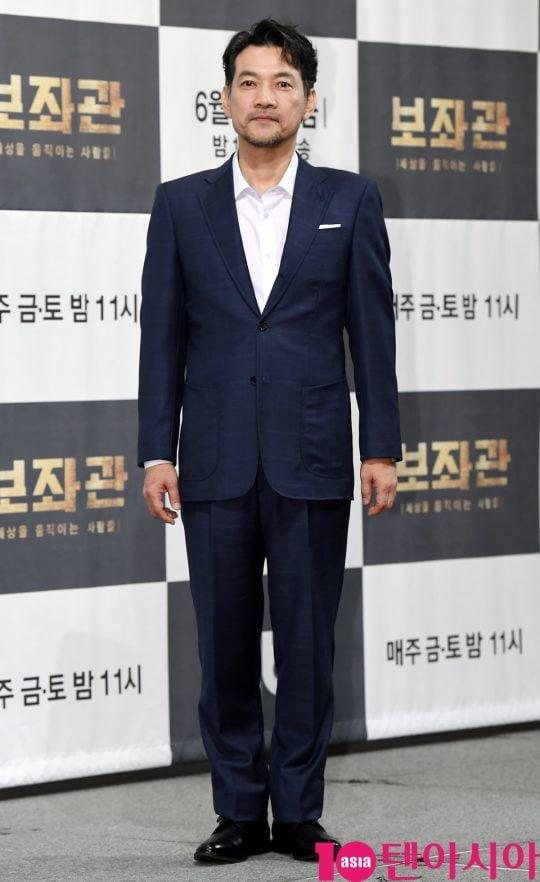 배우 정진영이 13일 오후 서울 강남구 논현동 임피리얼 팰리스 호텔에서 열린 JTBC 새 금토드라마 '보좌관' 제작발표회에 참석하고 있다.