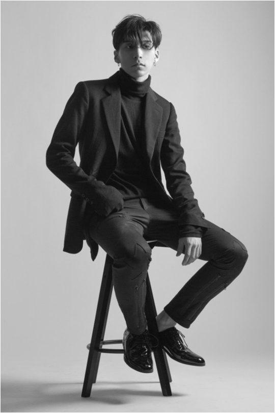 지난 5월 31일 '러브 파트 원'을 발매한 알앤비 싱어송라이터 콜드./ 사진제공=웨이비