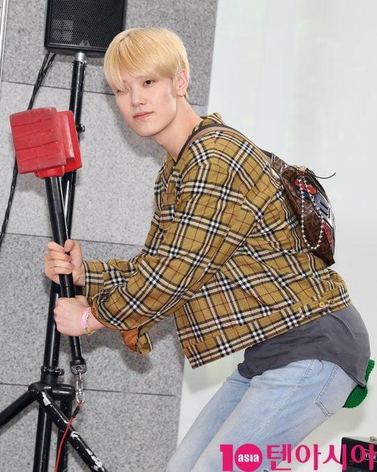 젤로가 17일 오전 서울 마포구 상암동 에스플렉스센터 OGN e스타디움에서 열린 게임돌림픽 2019 : 골든카드 공개 녹화 레드카펫 행사에 참석하고 있다.