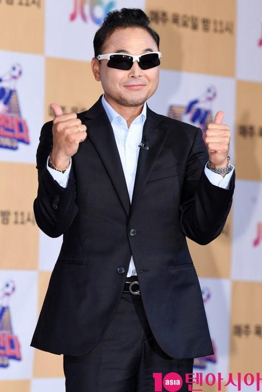 전 마라톤선수 이봉주가 18일 오전 서울 도화동 베스트웨스턴프리미어서울가든호텔에서 열린 JTBC 예능프로그램 '뭉쳐야 찬다' 기자간담회에 참석했다. / 조준원 기자 wizard333@