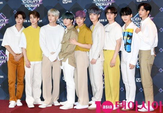 그룹 SF9가 20일 오후 서울 마포구 상암동 CJ ENM 센터에서 열린 Mnet '엠카운트다운' 리허설 전 포토타임에 참석하고 있다.