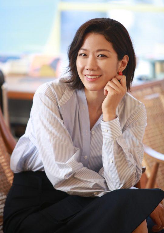 영화 '비스트'에서 마약 브로커 춘배를 연기한 배우 전혜진./ 사진=NEW