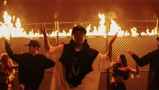 가수 은지원의 '불나방' 뮤직비디오. / 제공=YG엔터테인먼트