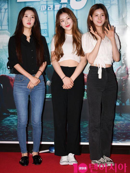 걸그룹 네온펀치가 25일 오후 서울 한강로3가 CGV 용산아이파크몰점에서 열린 영화 '존 윅 3: 파라벨룸' VIP시사회에 참석하고 있다.
