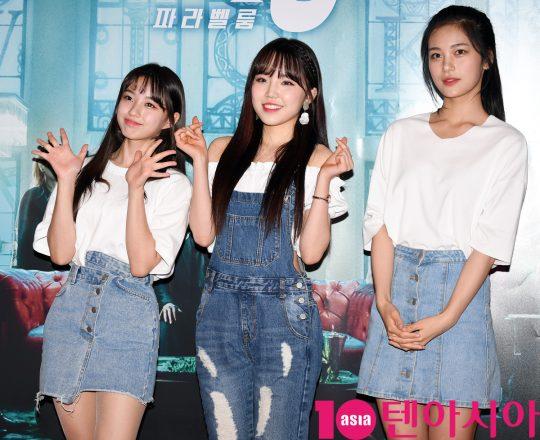 걸그룹 버스터즈가 25일 오후 서울 한강로3가 CGV 용산아이파크몰점에서 열린 영화 '존 윅 3: 파라벨룸' VIP시사회에 참석하고 있다.