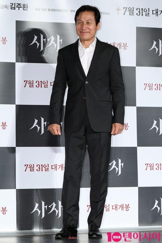 영화 '사자'에 구마 사제로 출연하는 배우 안성기./이승현 기자 lsh87@