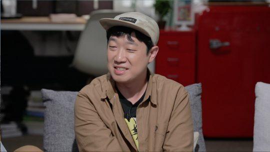 JTBC '방구석1열'에 출연한 한준희 감독. /사진제공=JTBC