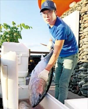 제주외해양식영어조합의 국내 양식 참다랑어.