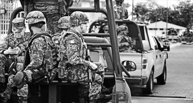 트럼프와 약속한 대로…멕시코 국경수비대 배치