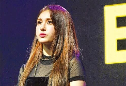 '국민 센터'서 솔로 가수로 3년 만에 돌아온 전소미
