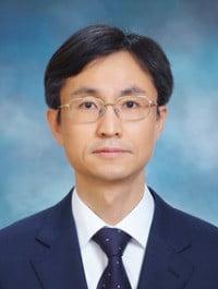 박남천 부장판사
